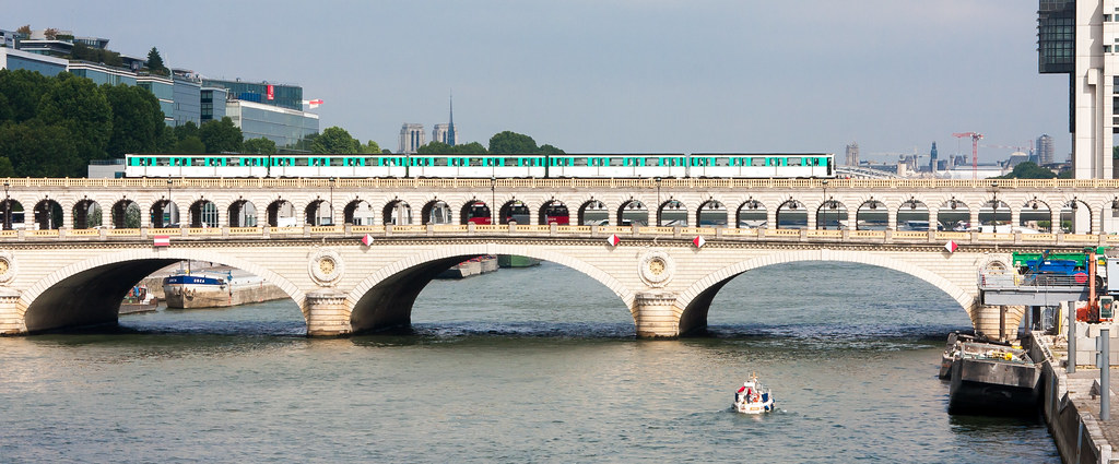 The Pont de Bercy with a line 6 train
