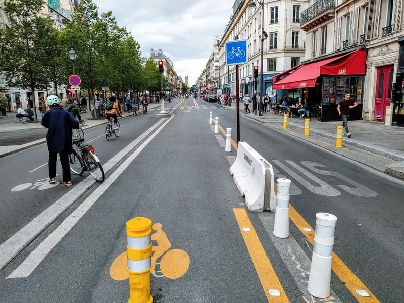 Rue de Rivoli, Saint-Paul, with temporary closure to cars