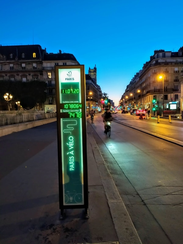 Rue de Rivoli cycle counter, showing 7478 cyclists for 11 July 2020 and 1078064 for the year so far