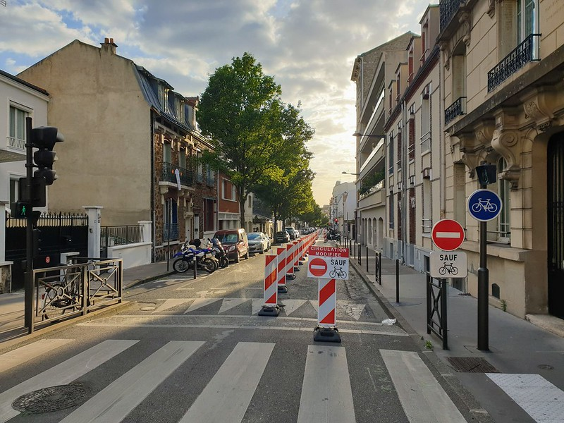 Partial road closure in Vincennes for a cycle lane