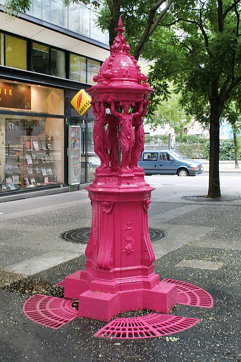 Pink Wallace fountain, rue Jean-Anouilh